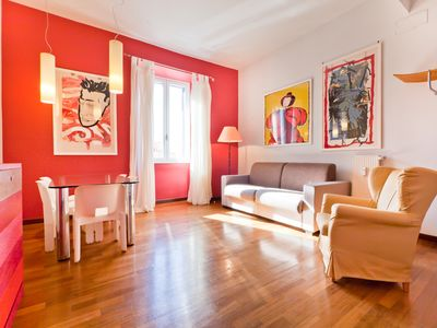 Photo for Lively, bright and welcoming two bedroom flat (Trastevere)