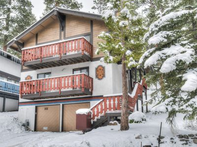 Photo for Cozy Chalet, Minutes to Resort, Lake and Downtown!