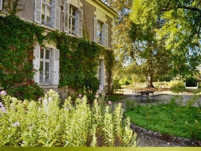 Photo for Gite Sainte-Maure-de-Touraine, 6 bedrooms, 12 persons