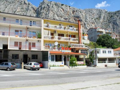 Photo for Apartment in Omiš (Omiš), capacity 2+3