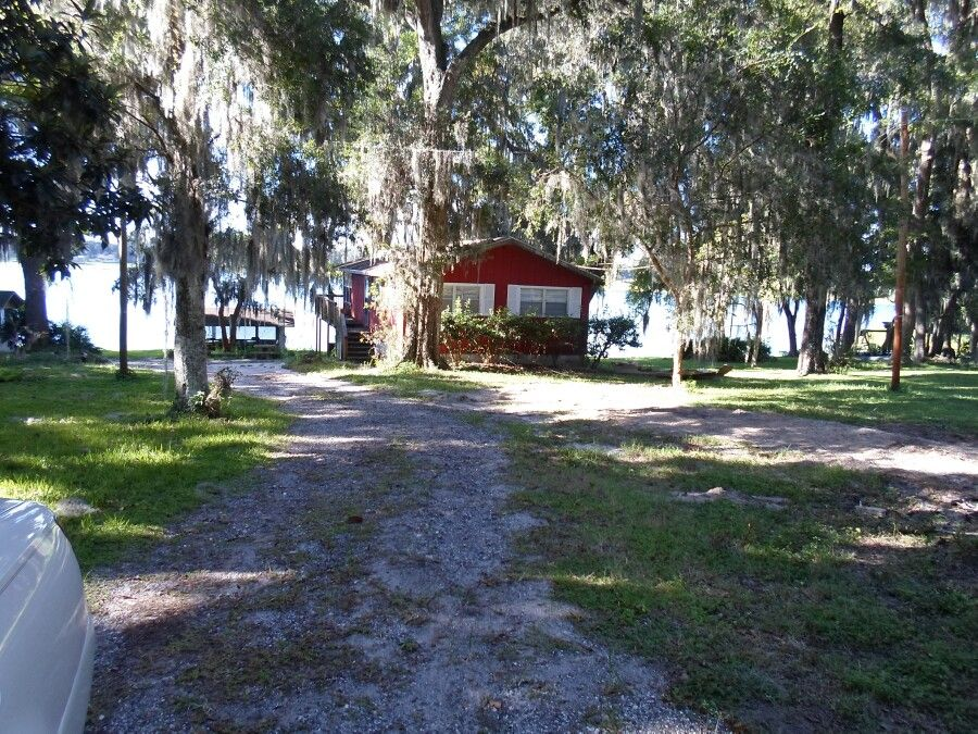 Lake house in dade city fl 2 br vacation cabin for rent for Lake house photos gallery