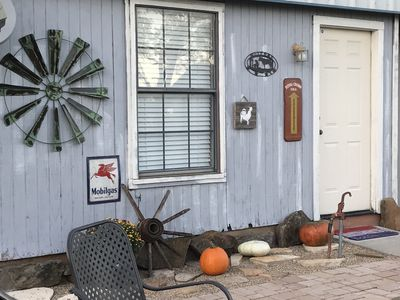Photo for Countryside Cabin in the path of the Chisholm trail near shopping and raceway!
