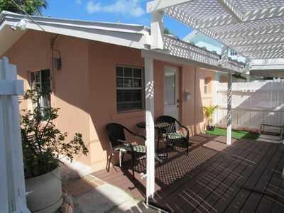 BEACH SIDE-CENTRAL LOCALE-OCEAN VIEW-PRIVATE. FREE WIFI-CABLE-BBQ- 5*AMENITIES
