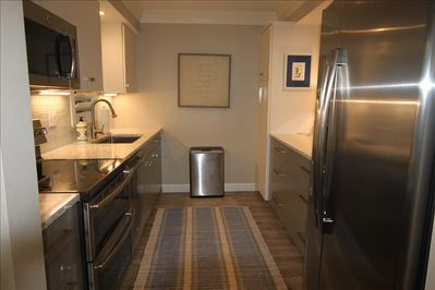 Gorgeous updated kitchen-w/all amenities of home!