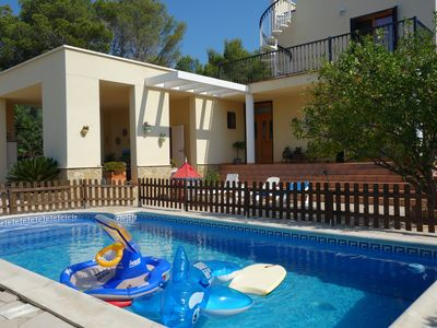 Photo for Villa with private protected pool, 200 m from the beach, air conditioning