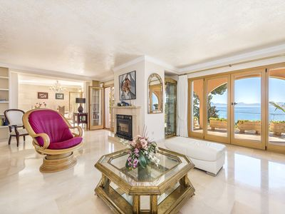 Photo for Spectacular villa with sea views and pool.