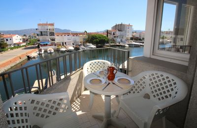 Photo for Apart-Rent- Apartment with view on the canal (0139)