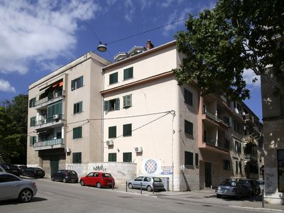 Photo for Newly Renovated, Modern 2 Br Flat with Great Location!