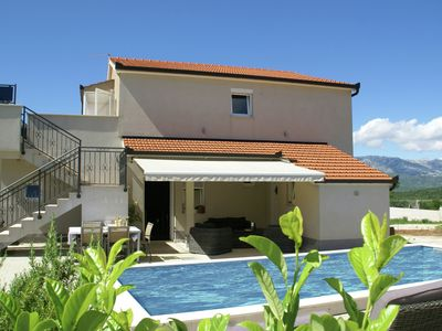 Photo for Fantastic villa with private pool in the green hinterland of Split