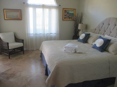 Master with king bed, walk-in closet and spacious ensuite bathroom