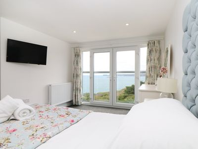 Photo for CHY-AN-MOR, family friendly, with hot tub in Port Isaac, Ref 991190