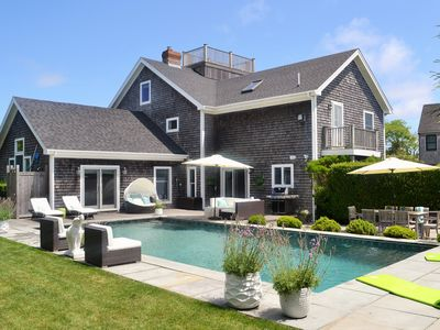 Spacious Post And Beam Home With Pool