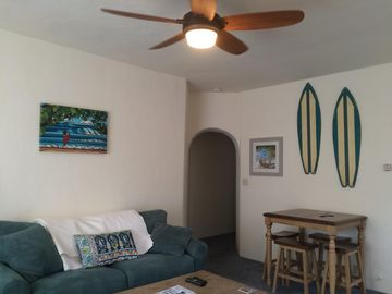 Mariposa  C  Bright and Spacious 900 sf One Bedroom apartment at East Beach