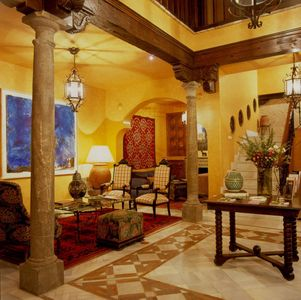 Photo for Magnificent and spacious Moorish house 1525 in the Albaicín.