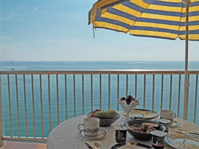 Photo for Apartment in complex with direct access to the sea