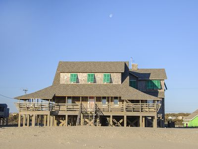 Frank Wood Cottage c. 1923: 7 bedroom, historic, ocean front home located in Nags head