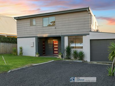 Photo for 20 Bayview Drive, Cowes