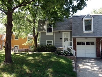 Nice and cozy duplex close to everything in KC!