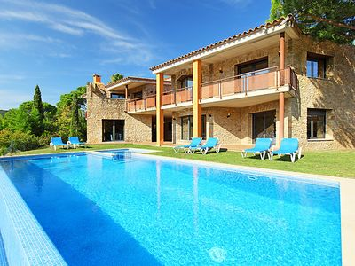 Photo for 8 bedroom Villa, sleeps 18 in Calonge with Pool and WiFi