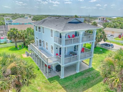 Charming Three Story with all the extras