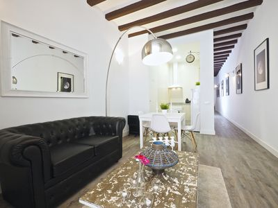 Photo for Apartment 160 m from the center of Barcelona with Internet, Lift, Balcony, Washing machine (689426)