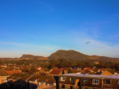 Photo for Double Bedroom flat with good view of Edinburgh.