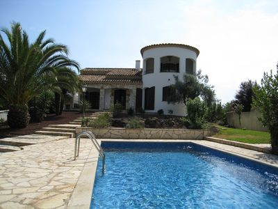 Photo for Splendid villa with character on riverside, 3km from the beach, 6 bedrooms