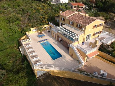 Photo for House / Villa Le Clos des Chênes of 350m2 with swimming pool