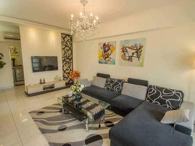 Photo for Family Room for 6, 5min to Haishi Night Market, lncl living room and washing facilities