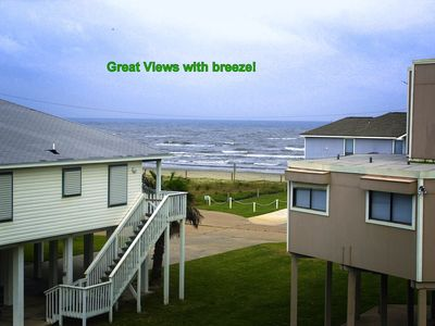 Ocean view! Beach 2 min walk; Cable; Grill; WIFI; 3 full baths