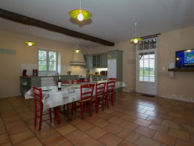 Photo for 10-people holiday rental close to Bordeaux