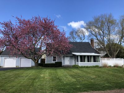 Misquamicut is open! Beautiful home on golf course.