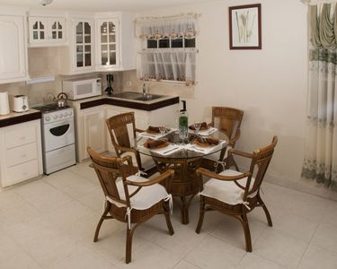 JersonApartment -Two-bedroom: A cozy home in the island paradise of Barbados.