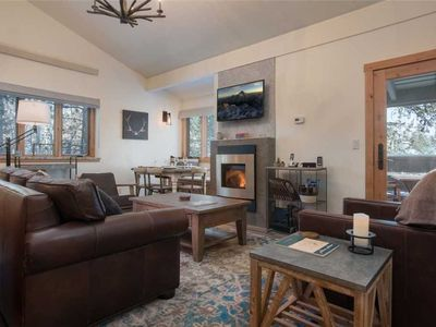 A newly renovated, 2 bedroom mountain modern retreat located in Wilson