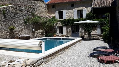 Photo for Old, quiet et restored Provencal house with a pool, at the departure of the GR.4