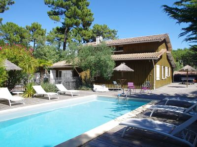 Photo for Spacious VILLA 12 pers CAP FERRET any comfort heated swimming pool terrace couv