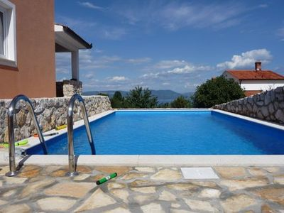 Photo for Detached holiday home with sea view and pool, for up to 6 people.