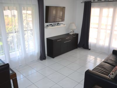 Photo for 3 rooms, parking, 2 large loggias, 2min from the beach
