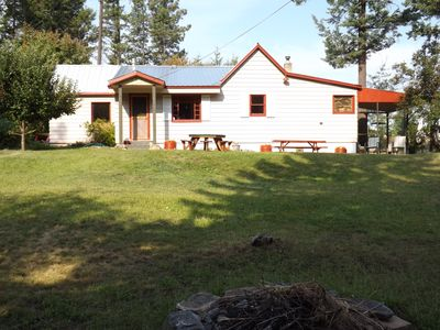 Photo for A cozy three bedroom Cottage near Flathead Lake