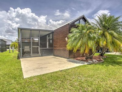 Photo for 'Glades Haven' Cozy 1BR Everglades City Cabin