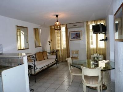 Photo for Apartment in the center of Cannes with Internet (705061)