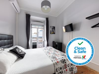 Photo for 4 rooms apartment with air conditioning, stove top, kettle and washing machine.