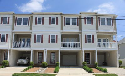 Photo for TIP TOP TOWNHOUSE! BEACH BLOCK! POOL!  BOOK SEPTEMBER!  BOOK 2020 TODAY!