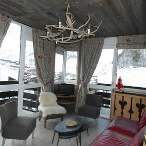 Photo for CHARMING apartment. 2 bedrooms 6 or 7 people Val d'Isere Centre