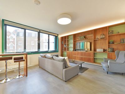Photo for Beautiful and modern two bedroom apt in the heart of Soho/ Central London (OC2)
