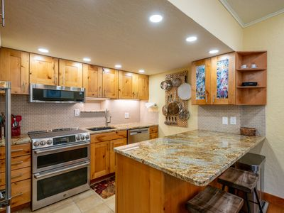 Photo for Spacious, high end condo that sleeps 8 in Copper Mountain's Center Village, f