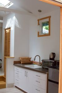 Kitchenette with many amenities