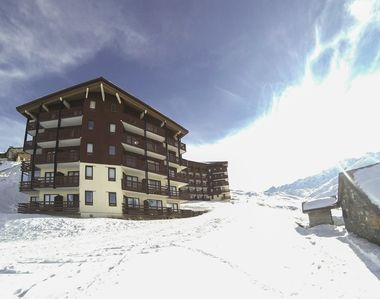 Photo for Apartment on the ski slopes, 5 people, fully equipped