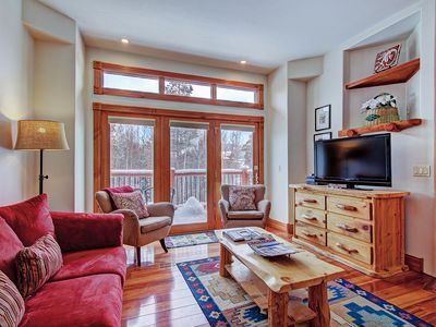 Photo for FREE SkyCard Activities - Downtown Townhome, Private Hot Tub, Ski-In/Ski-Out - Dogwood Lodge