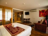Great location, only a couple of minutes walking from Night Bazar, at the same time very quiet and